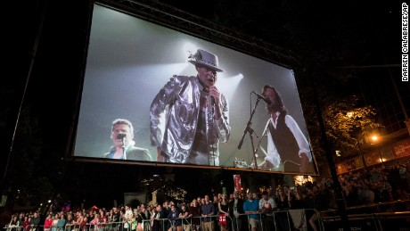 Tragically Hip lead singer Gord Downie says goodbye in his hometown