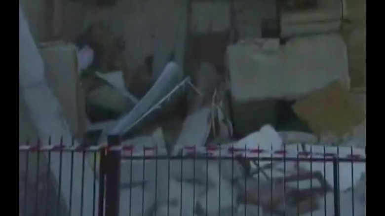 italy house collapse facebook live mobile orig mss_00003818