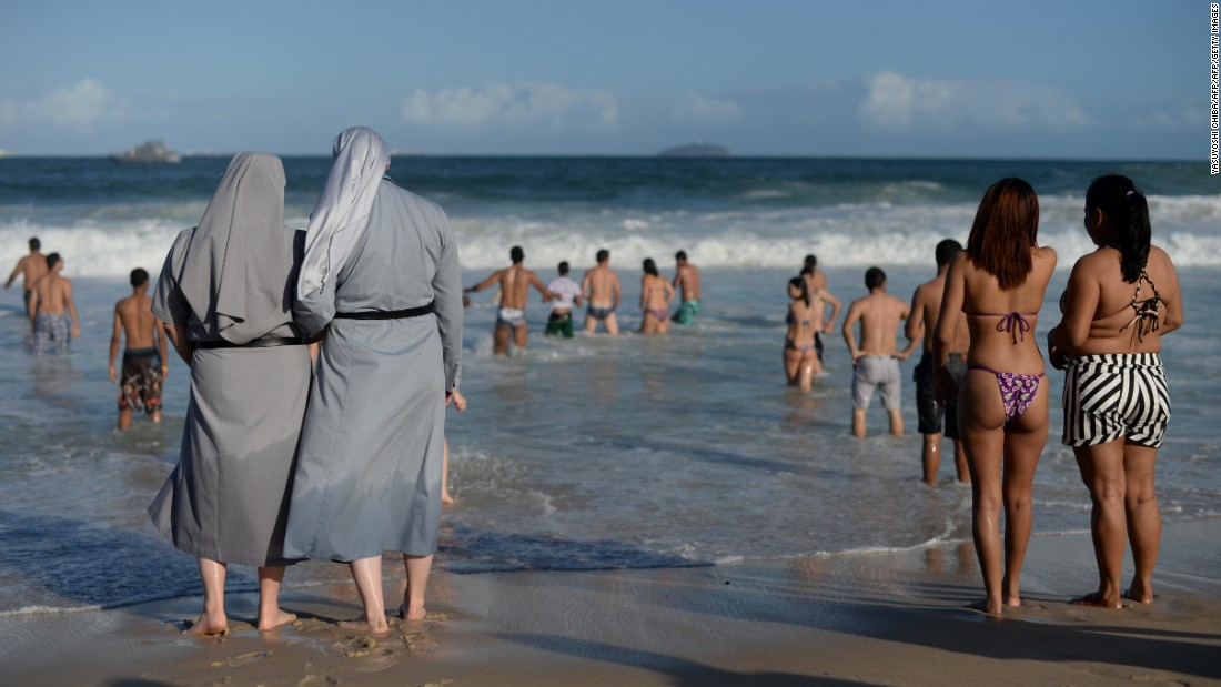 Frances Burkini Ban How People Around The World Are Saying No