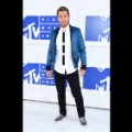 16vma red carpet 0828