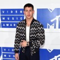 33vma red carpet 0828