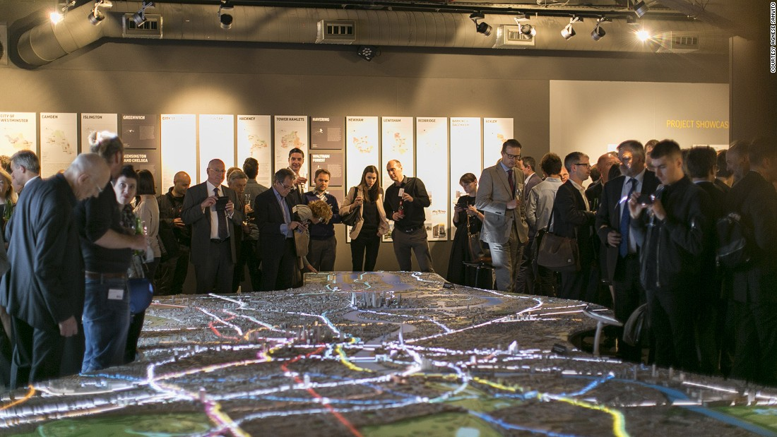 At 12.5 metres-long, the model covers more than 85 square kilometres of London,19 Boroughs and approximately 170,000 buildings.