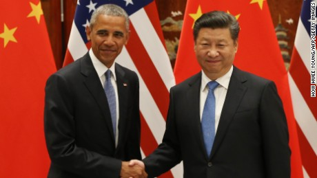 Preisdent Obama and Chinese President Xi Jinping shake hands during their meeting in Hangzhou on September 3, 2016.