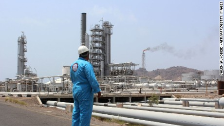 A Yemeni oil worker looks out at the Aden oil refinery after it was re-actived on September 5, 2016, following a year of closure due to the on going conflict between pro-government forces and Shiite Huthi rebels near the southern embattled port city of Aden. / AFP / SALEH AL-OBEIDI        (Photo credit should read SALEH AL-OBEIDI/AFP/Getty Images)