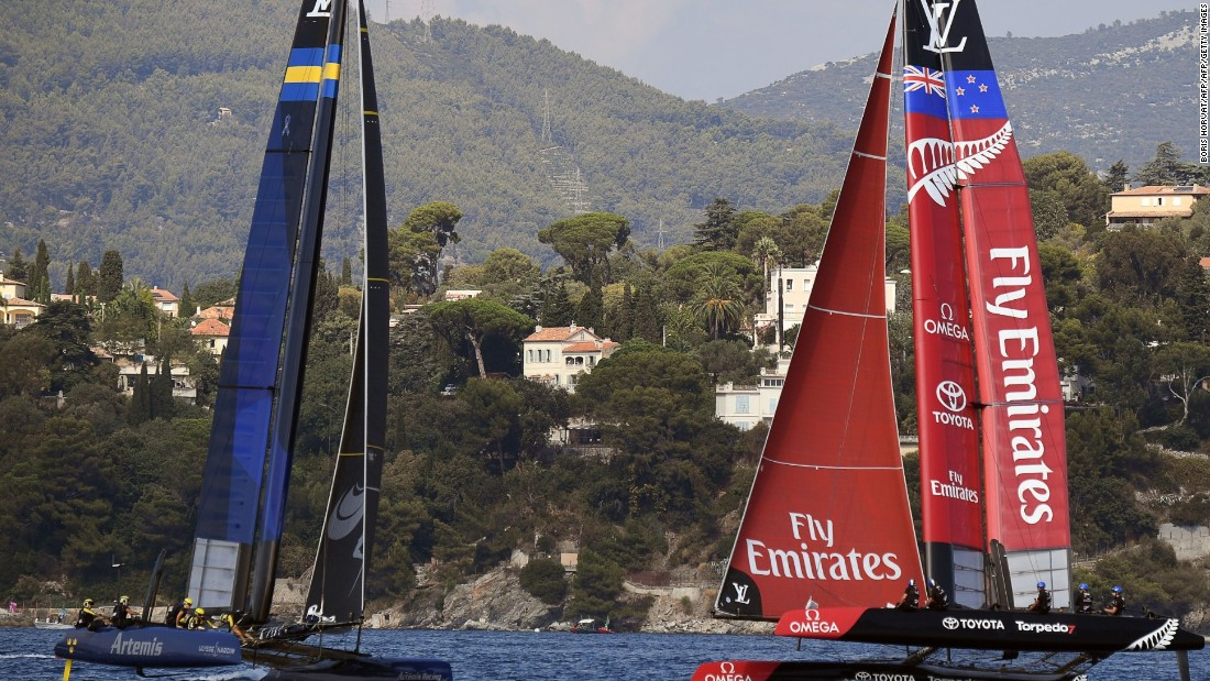 Artemis laid the foundations for its overall victory in Toulon with two race wins out of three on the first day of competition.