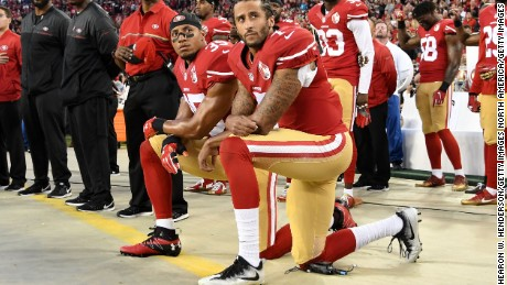 NFL star continues national anthem protest