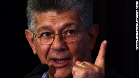 The president of the Venezuelan National Assembly, Henry Ramos Allup, speaks during a press conference in Caracas, on September 12, 2016. The opposition majority in the Venezuelan parliament cancelled a session that was to be held parallel to this week's Non-Aligned Movement summit, after accusing the government of Nicolas Maduro of blocking legislators from buying tickets to Margarita Island.  / AFP / RONALDO SCHEMIDT        (Photo credit should read RONALDO SCHEMIDT/AFP/Getty Images)