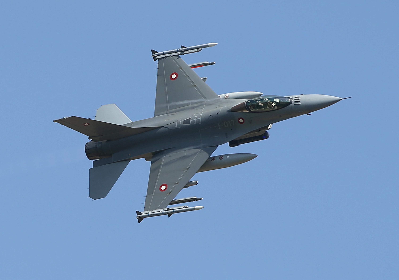 see russian jets buzz u s navy ship cnn video