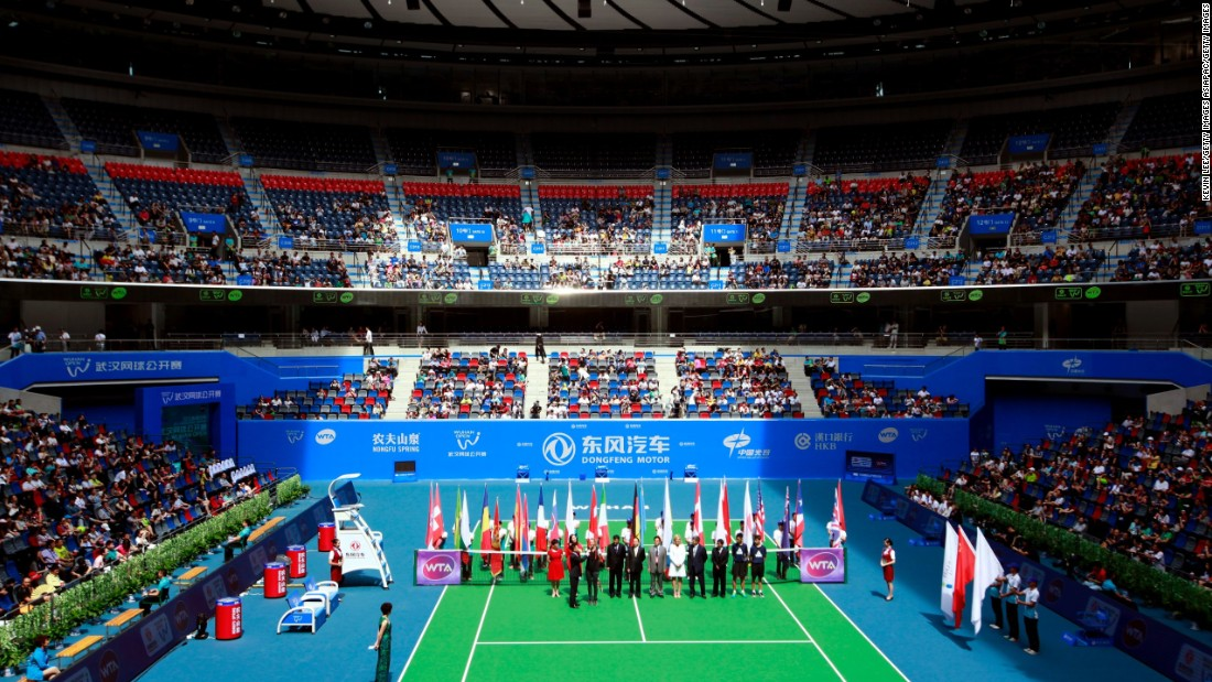 Modeled on the Australian Open venue, Wuhan's main stadium court has a retractable roof and is big as Wimbledon's Centre Court with space for 15,000 tennis fans. Li and two-time Wimbledon winner Petra Kvitova attended last year's opening ceremony of the Optics Valley International Tennis Center.