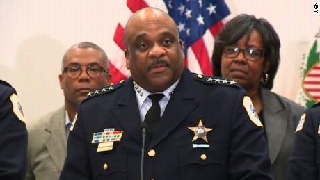 Chicago to add 970 officers to police force