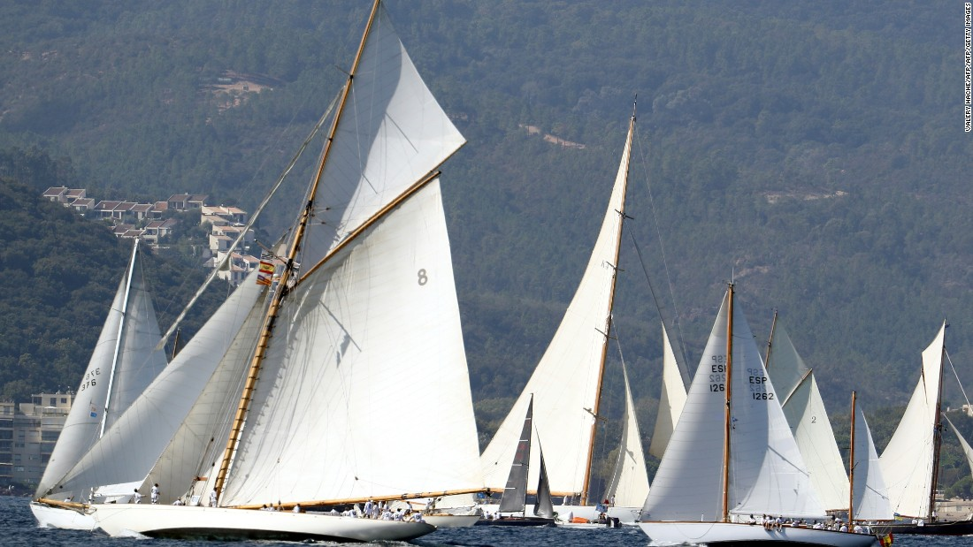 Races fall into three categories -- for yachts constructed before 1950, those built before 1975, and those dating from after 1975 but built to traditional designs and using traditional methods.