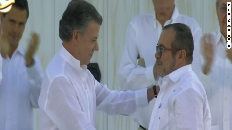 Colombia signs peace agreement with the FARC