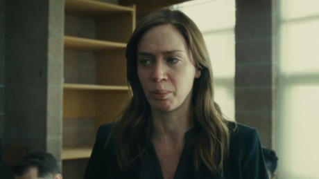emily blunt girl on the train_00000205
