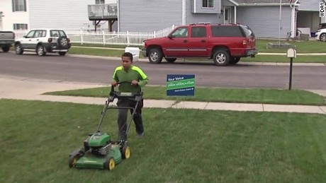 boy mows lawns to pay for headstone_00022921