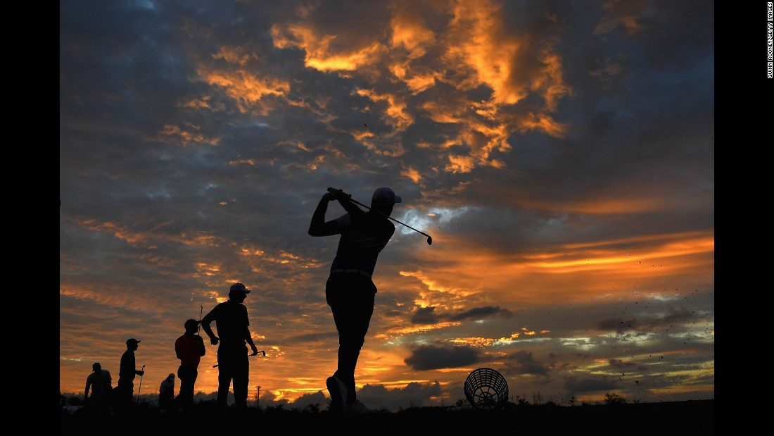 "Players warm up on the driving range at the Fiji International golf tournament on Friday, October 7. <a href=""http://www.cnn.com/2016/09/27/sport/gallery/what-a-shot-sports-0927/index.html"" target=""_blank"">See 41 amazing sports photos from last week</a>"