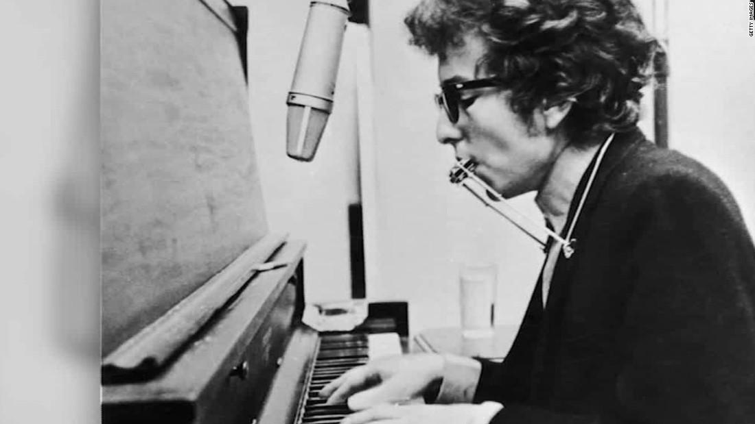 Bob Dylan receives Nobel Prize in literature in Sweden
