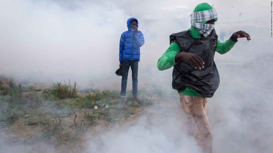 Refugees in Calais claimed their rights to pass to Great Britain but were pushed back by tear gas and flash grenades on Saturday, October 1.