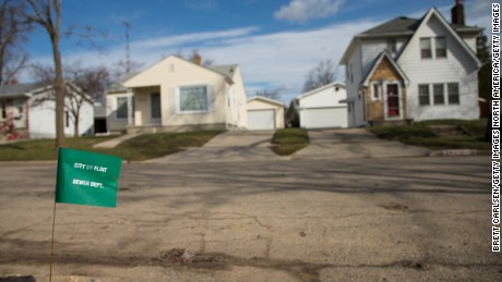 Flint homes tainted by city's water crisis to get new faucets