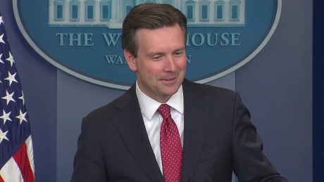 josh earnest donald trump sniffing debate sot_00001816
