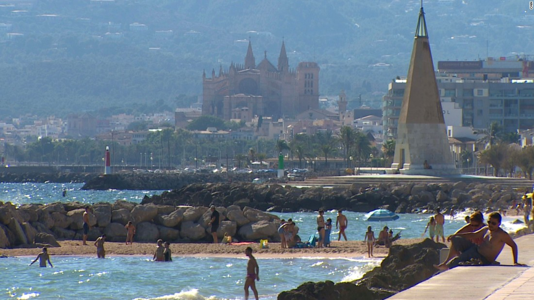 The capital Palma is a big attraction for package tourists.
