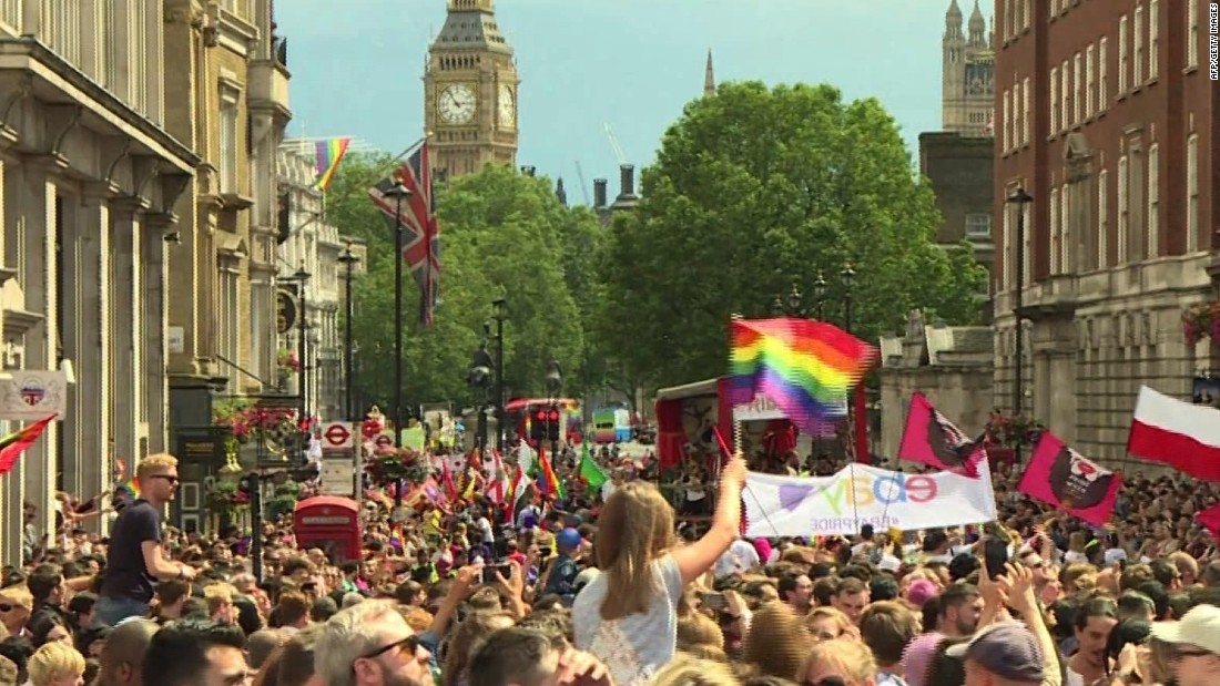 Thousands of gay men in UK to be pardoned for now-abolished sex offenses