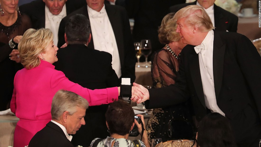 Trump delivers harsh remarks on Clinton at charity dinner