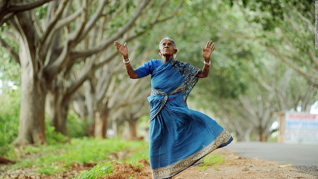 Now aged 105, Saalumarada Thimmakka has battled the arid conditions of southern India to grow nearly 300 trees on the road from her village.