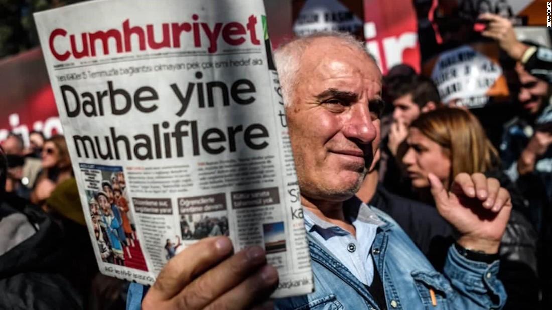 Turkey detains 13 journalists after mass firings of public servants