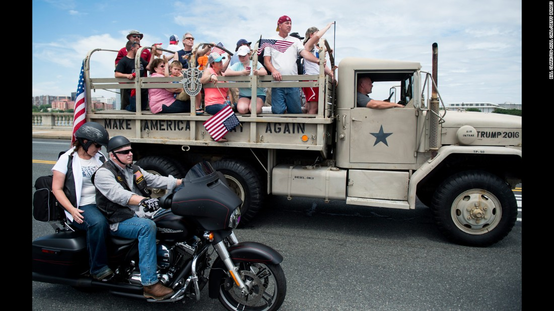 A military-style truck promoting Trump's campaign passes over the Memorial Bridge in Washington during the annual Rolling Thunder biker rally on May 29, 2016. The event is a tradition on Memorial Day weekend, paying tribute to prisoners of war and Americans missing in action.
