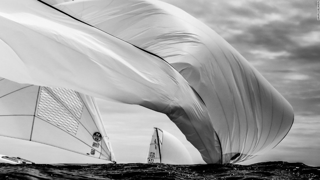 Mauro Melandri used an underwater camera to capture sail boat Enfant Terrible-Adria Ferries at the Alcatel J/70 Cup.