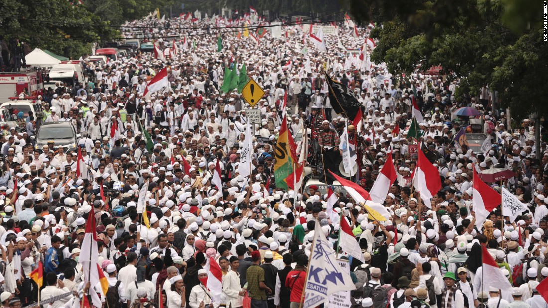 An estimated 200,000 people converged on the center of the Indonesian capital to demand the arrest of its minority-Christian governor on November 4.
