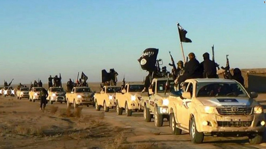 ISIS orders Raqqa residents to flee, then stay
