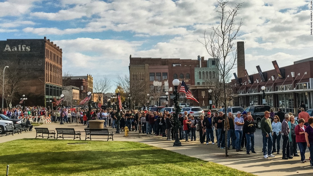 A crowd lines up for a rally supporting Trump in Sioux City, Iowa, on November 6.