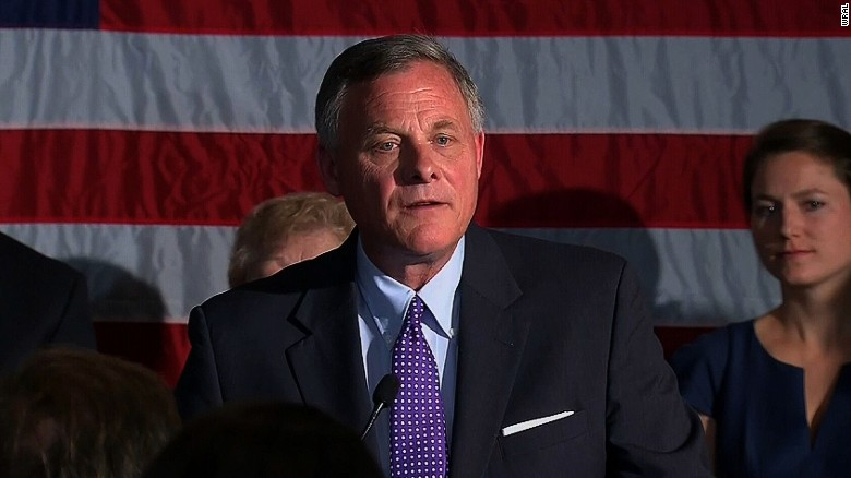 Sen. Richard Burr outlasts challenge in North Carolina