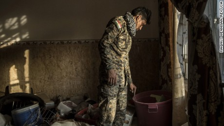 IMAGES OUTSIDE OF PRINT NEWSPAPER SUBSCRIPTION DEALS. WEB FEES - £40 PER IMAGE