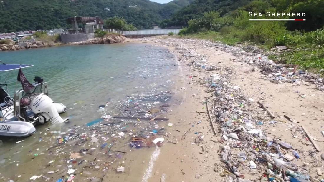 """Trashzilla"" protests against polluting of Hong Kong's oceans"
