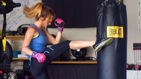 02 sweat out stress Kickboxing