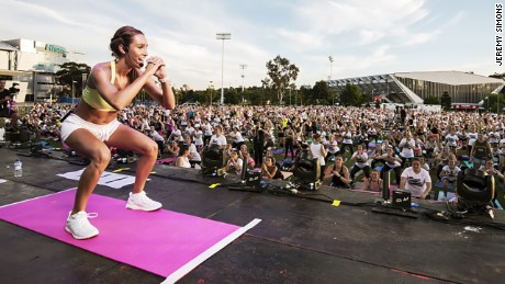 Over 2,000 people helped fitness guru Kayla Itsine make history.