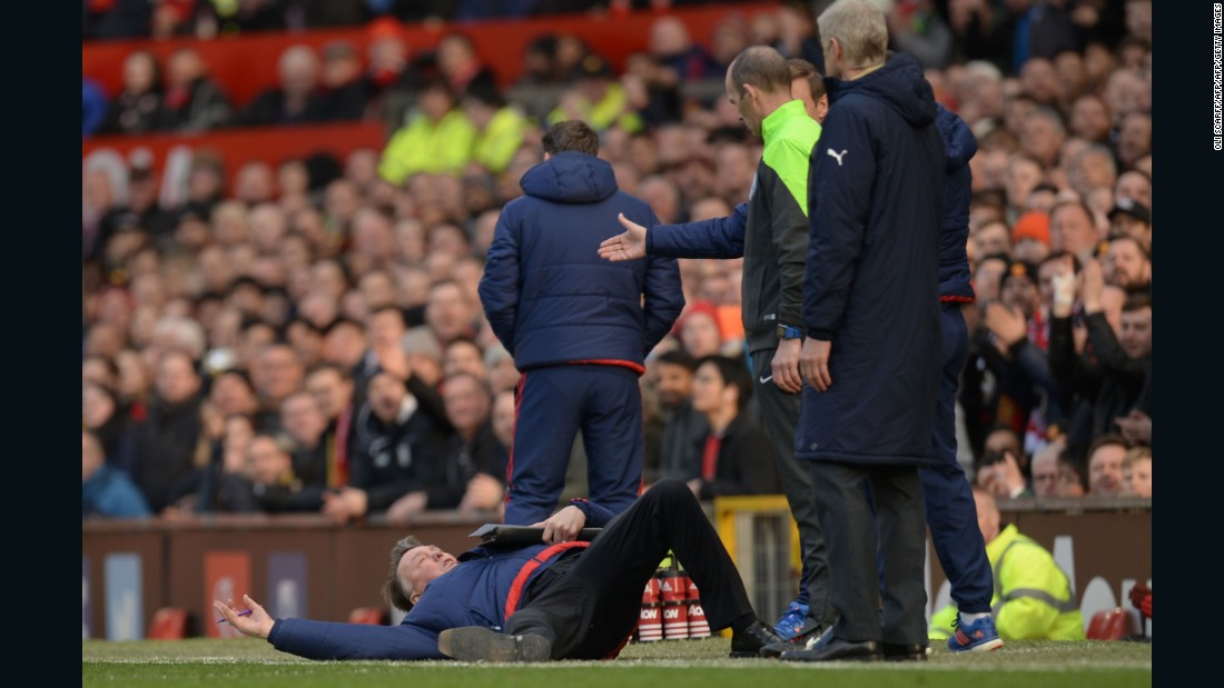 The United-Arsenal fixture lost some of its edge after Alex Ferguson's 2013 retirement, but Mourinho's predecessor Louis van Gaal did his best to add drama. The eccentric Dutchman fell to the floor in front of official Mike Dean and Wenger during the February 2016 clash at Old Trafford, mimicking an alleged dive by one of Arsenal's players.