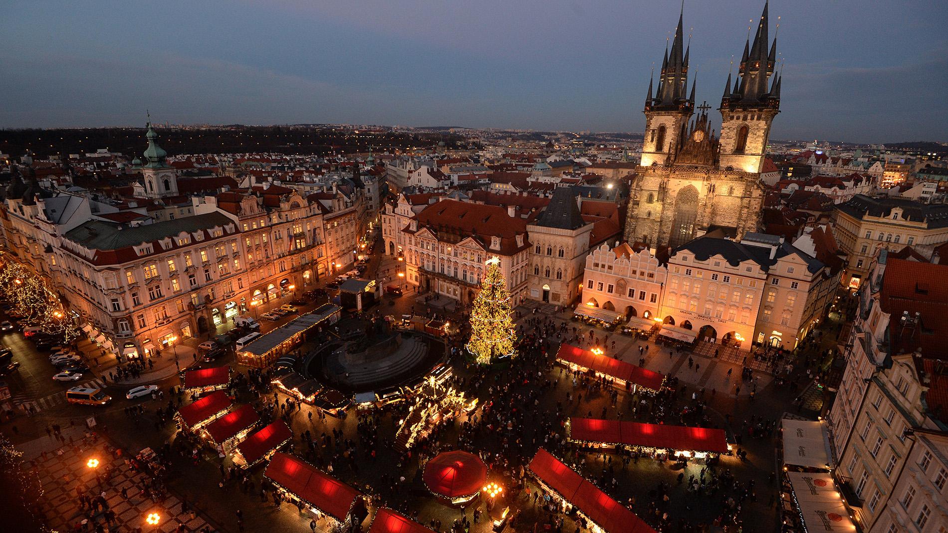 Prague Christmas Market.17 Best Christmas Markets Around The World Cnn Travel