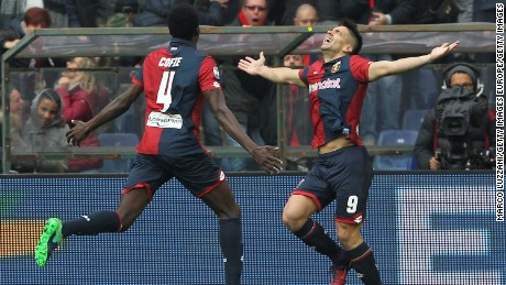 Giovanni Simeone celebrates after scoring against Juventus.