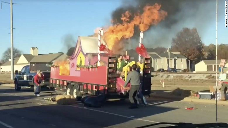 Christmas float catches fire after 'Grinch' flicks cigarette - CNN