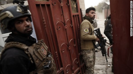 Iraq: Death toll climbs as urban warfare slows battle for Mosul