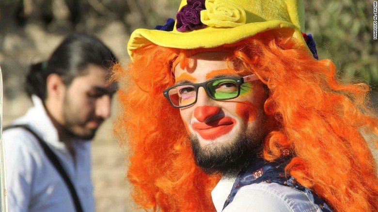 Beloved Aleppo clown killed in airstrike