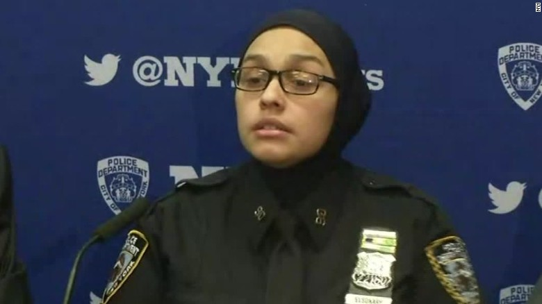 muslim nypd officer harassed presser bts_00015427