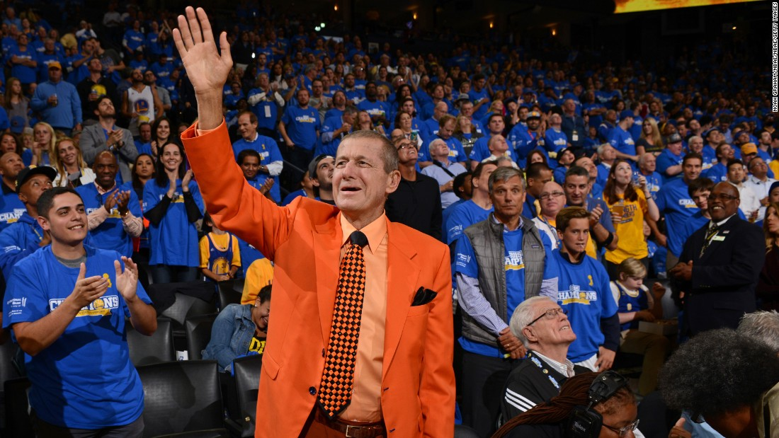 "<a href=""http://www.cnn.com/2016/12/15/us/craig-sager-dies/index.html"" target=""_blank"">Craig Sager</a>, the longtime Turner Sports sideline reporter best known for his colorful -- and at times fluorescent -- wardrobe, died December 15 after battling acute myeloid leukemia, the network said. He was 65."