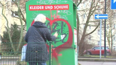 germany graffiti against hate shubert pkg_00023111