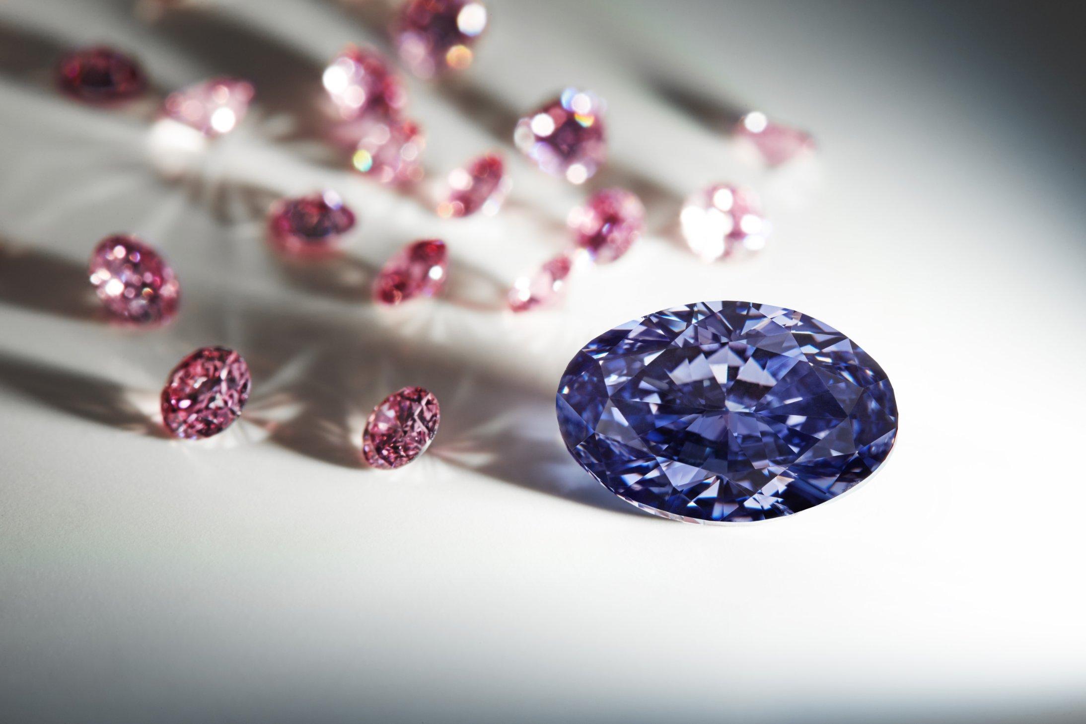 Rare $675,000 opal makes public debut - CNN Style