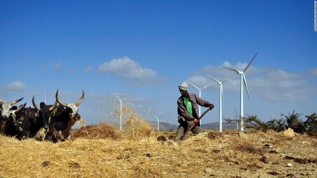 Just a quarter of Ethiopia's population had access to electricity in 2013, but the government aims to reach 90% coverage by 2020. Wind power is key to this ambition. According to the East African state's Growth and Transformation Plan II, wind output will rise from 324 MW to 5,200 MW in the next four years.