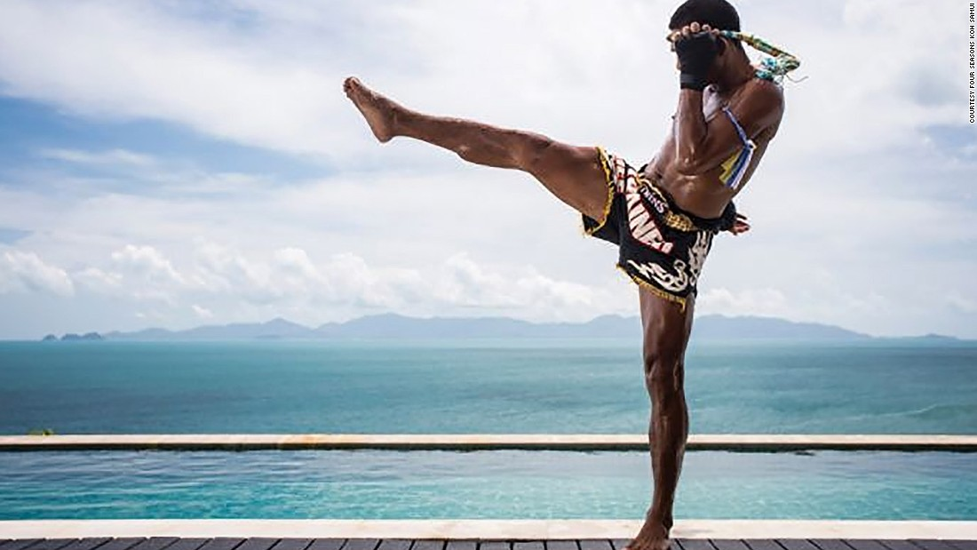 With a specially designed seafront ring and a personal trainer, Muay Thai training at Four Seasons Koh Samui will make sure 2017 punches above its weight.